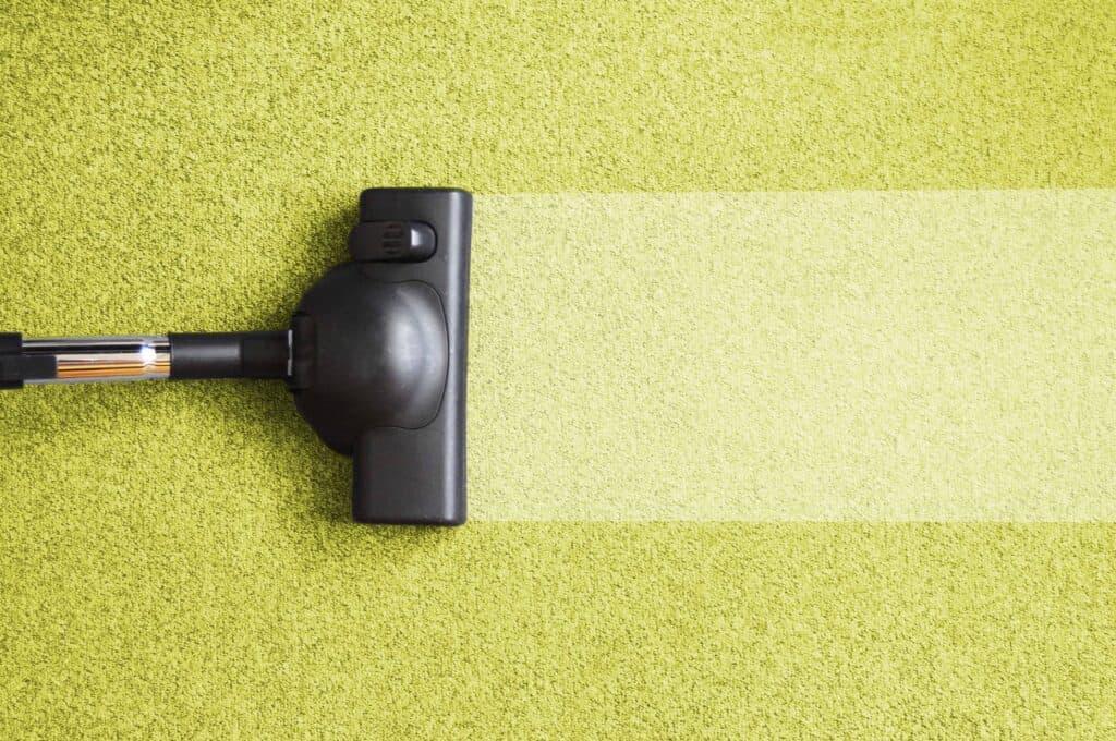 carpet cleaner shampooing a carpet